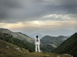 Marina Abramović Looking at the Mountains, 2010 Colour pigment print 160 x 200 cm / 63 x 78 3/4 in.